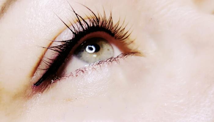 Conheça mais sobre a técnica de micropigmentação em olhos