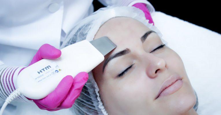 Peeling ultrassônico e seus benefícios